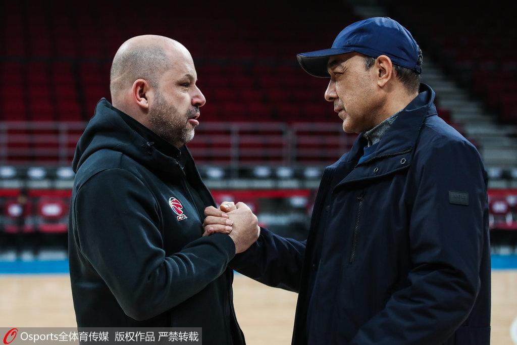 雅尼斯:新疆内线高度独一无二 本土球员能力很强