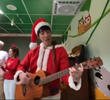 王@力宏化身圣诞老人