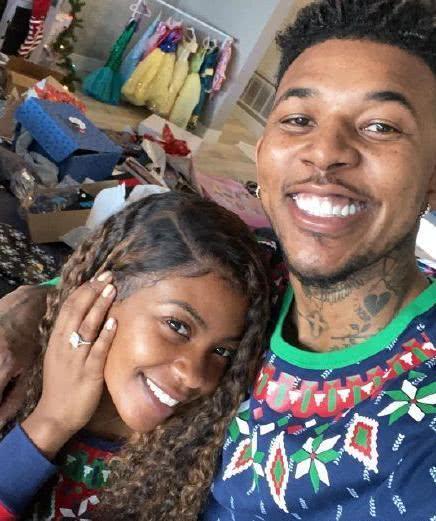 黑人问号球星求婚怎么回事 黑人问号球星求婚老婆是谁照片资料
