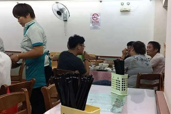 北京363万人吸烟 女性吸烟率上升 餐馆还是老大难