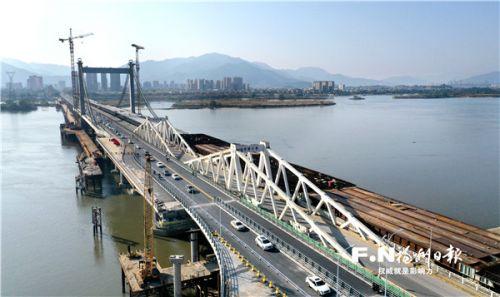 新洪塘大橋三分之一幅橋面1日通車。(無人機拍攝)記者 葉義斌 攝