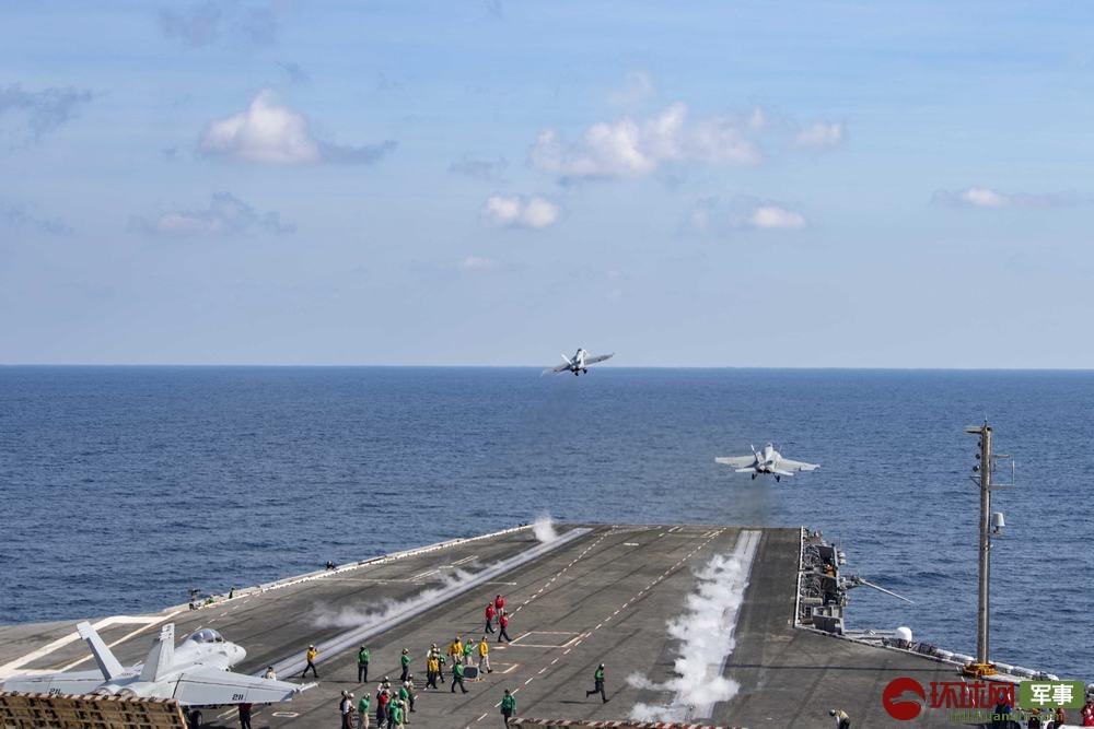 美军航母逼近伊朗 舰载战斗机密集出动