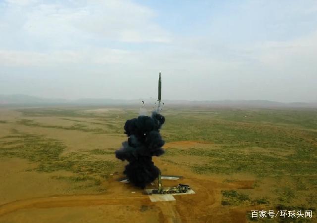 東風26反艦導彈發射畫面超燃 東風-26最大射程超過了5000千米 東風26發射畫面曝光最新消息(4)