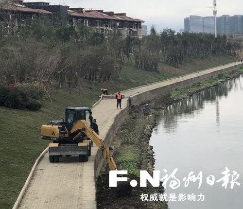 高新区元峰河环境提升工程施工现场图。本报记者 张笑雪/摄