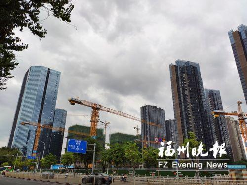 位于市中心的一处楼市项目。
