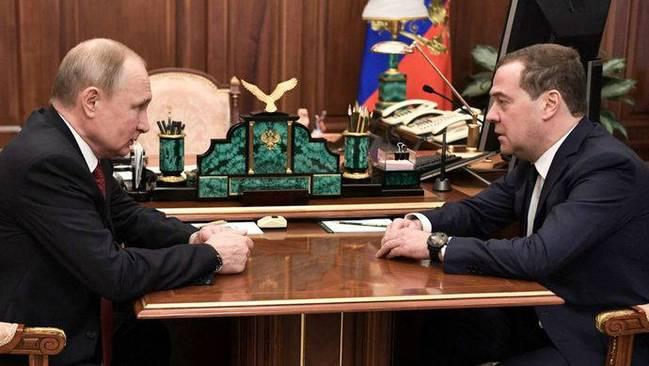 俄政府全体辞职什么原因?普京提议新任俄罗斯总理人选 卢布急跌400点俄罗斯发生什么了?