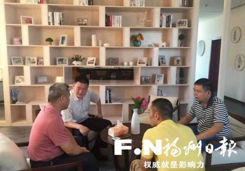 郑修山:历时8个月 在蓝天画航线