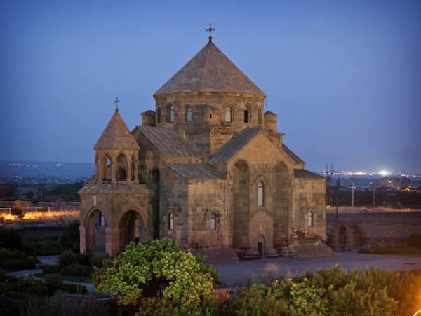 埃奇米河津教堂 图 UNESCO