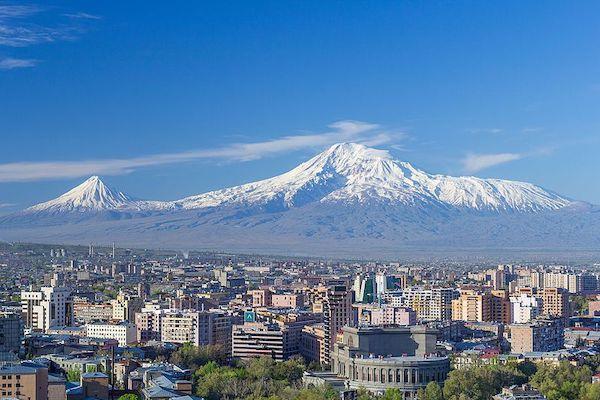 从首都埃里温眺望亚拉拉特山 图 Wikipedia