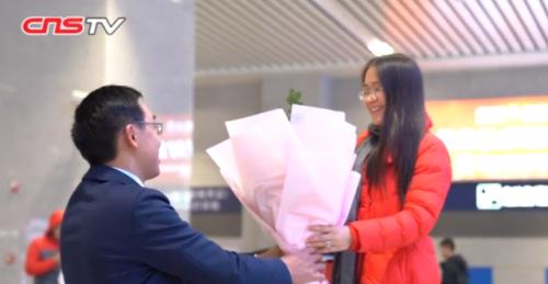 火车站求婚怎么回事?樊连晖为什么在火车站向女友求婚