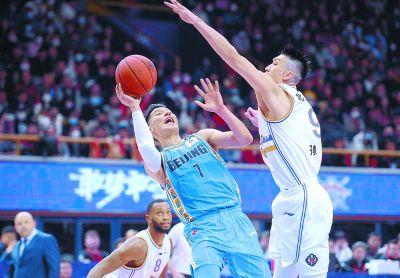 京城德比北控赢球 北控108比92击败北京首钢 比赛精彩回顾