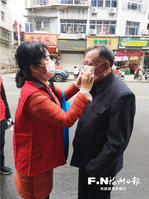 """福州连江东北街社区抗疫一线有群厉害的""""老街坊"""""""