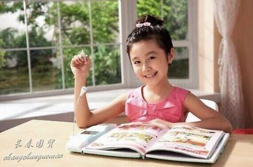 19岁点读机女孩近况曝光 素颜清纯靓丽已上大学