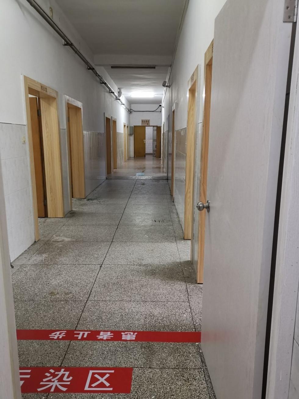 """福州:""""阻击疫情第一线""""发热门诊见闻"""