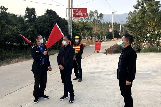 漳浦产山村党员先锋队作表率 设卡巡村保平安