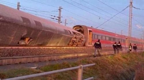 意大利一列車脫軌怎么回事 至少造成兩人死亡一人受傷