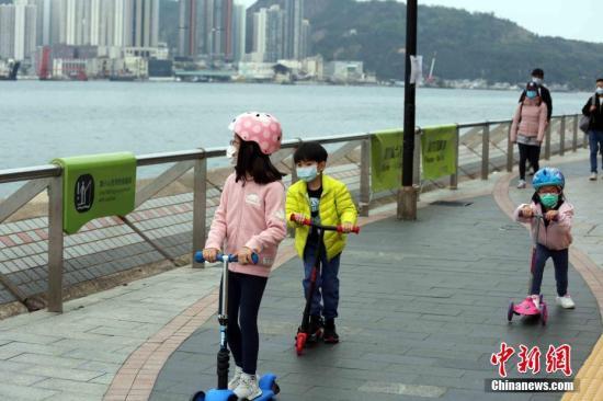 """疫情下的香港:從幼稚園到中學""""停課不停學"""""""