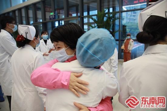 廈門派出第四批支援湖北醫療隊 6名醫護骨干啟程