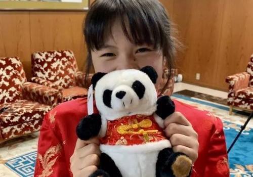 日本旗袍女孩为武汉募集50万日元怎么回事?最美日本小女孩事件始末