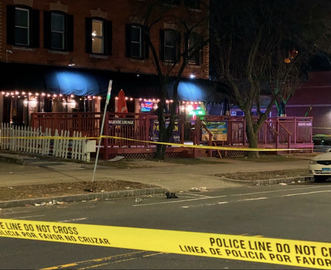 康涅狄格州f发生枪击案 造成1死4伤