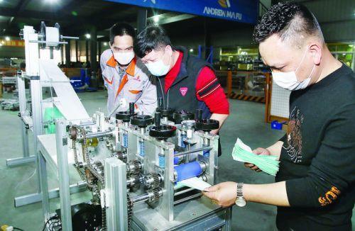 漳州民企成功研发口罩生产机 本月23日将投用23台
