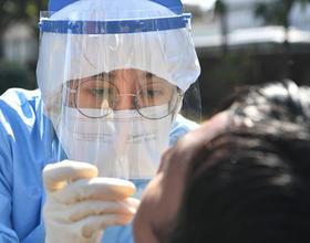 福州:包車接回工人返崗 助力企業復工復產