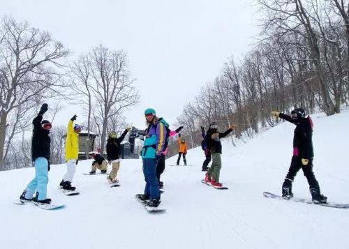 王思聪带前女友赵子易赴日滑雪 女方开心晒照