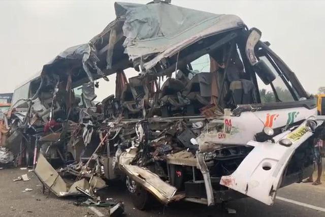 印度南部发生车祸怎么回事 印度南部发生车祸现场图曝光
