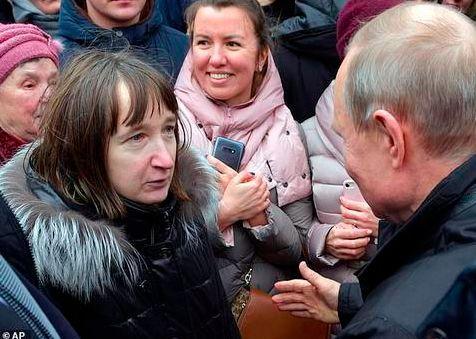 普京当街被问月薪 总统并不拥有最高的薪水