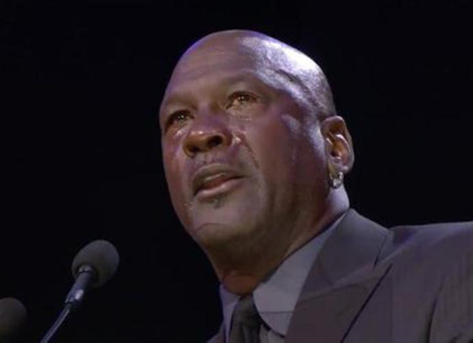 乔丹哭了 科比追悼会乔丹潸然泪下科嫂泣不成声