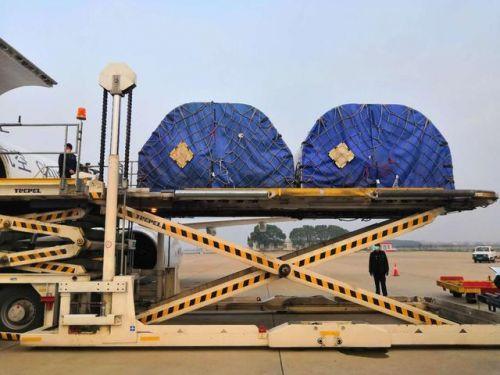 4台ECMO设备运抵武现场图曝光 ECMO设备是用来做什么的