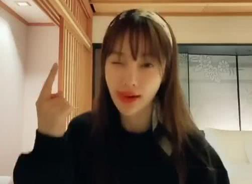 李小璐分享跳舞視頻嘻哈范十足 被疑忘不了PGOne