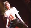 Lisa開場大秀舞技