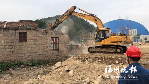 罗源碧里乡一处危房被拆除。