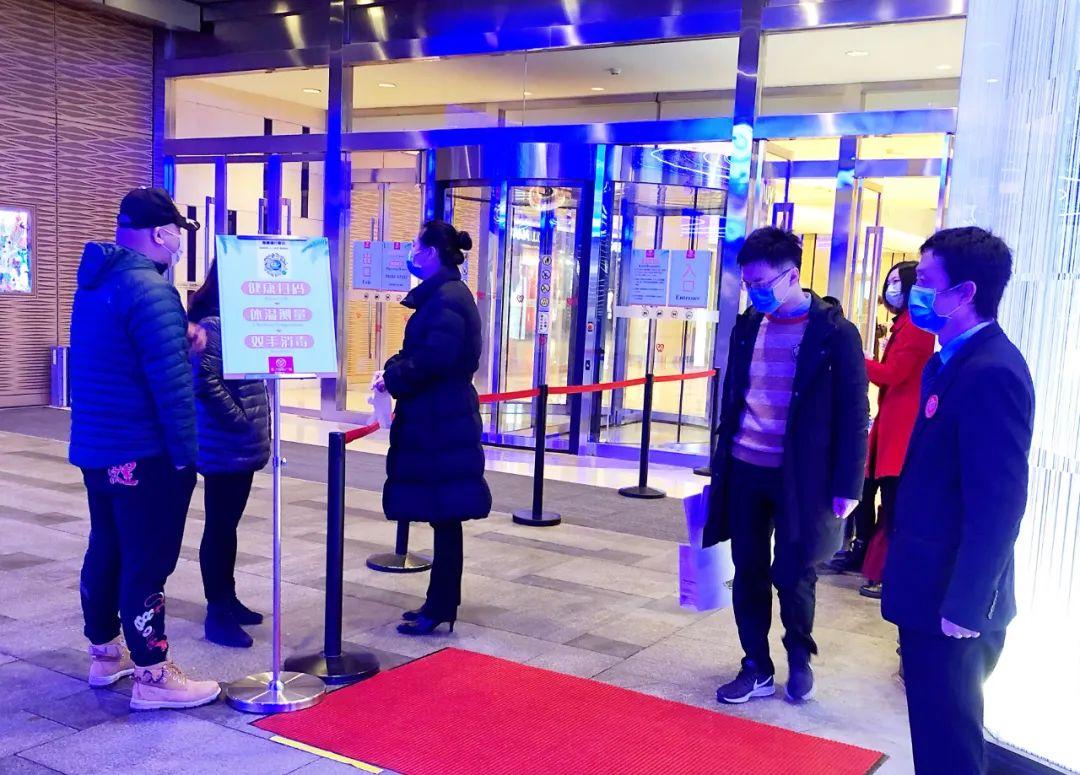 武汉市民70天第一次出门是什么样的 武汉市民70天第一次出门怎么回事