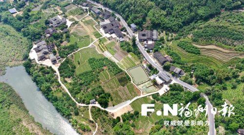 永泰县梧桐镇白杜村风景秀丽。记者 叶义斌 摄