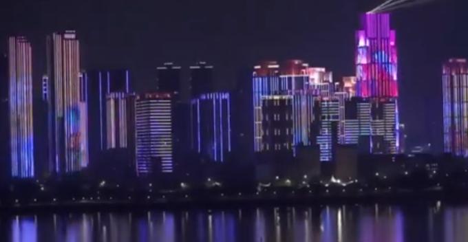 武汉解封灯光秀在哪里看?武汉解封灯光秀现场照片曝光实在太美了!