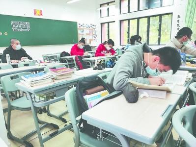 高三学生复课开学 后续的教学工作好比耕作滴灌