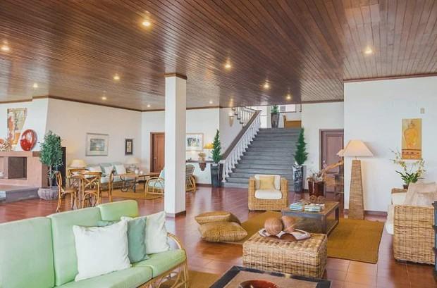 C罗租奢华别墅每周3500镑 出门就是私家海滩