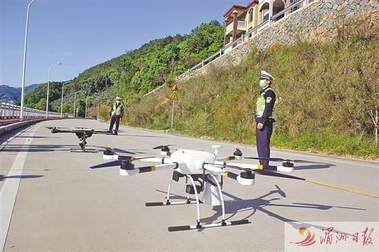 """莆田城厢交警大队创新管理 无人机""""空中喊话""""执勤"""