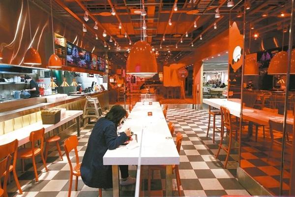 臺灣地區失業率連續2個月上升 餐飲住宿業為重災區
