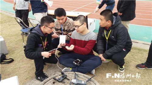 钱学森班学生参加多轴侦察机赛。(福州三中供图)