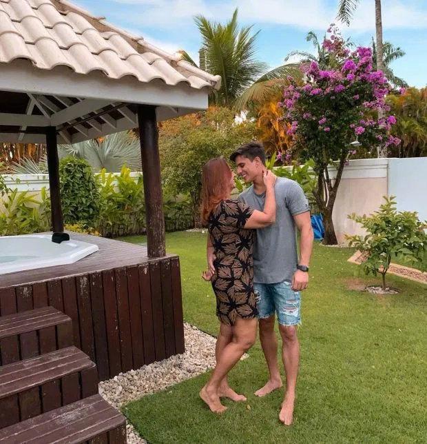 內馬爾母親與22歲男友分手 距離官宣戀情僅10天