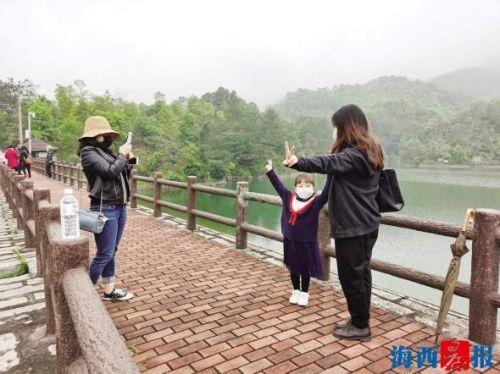 """周邊游人氣旺 廈門各大酒店預訂""""回暖"""""""