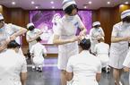 """北京:新入职护士""""授帽""""纪念南丁格尔"""