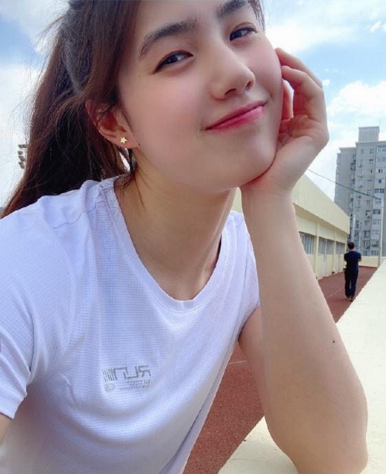 中国22岁游泳女神张雨霏公布恋情 张雨霏个人资料照片一览