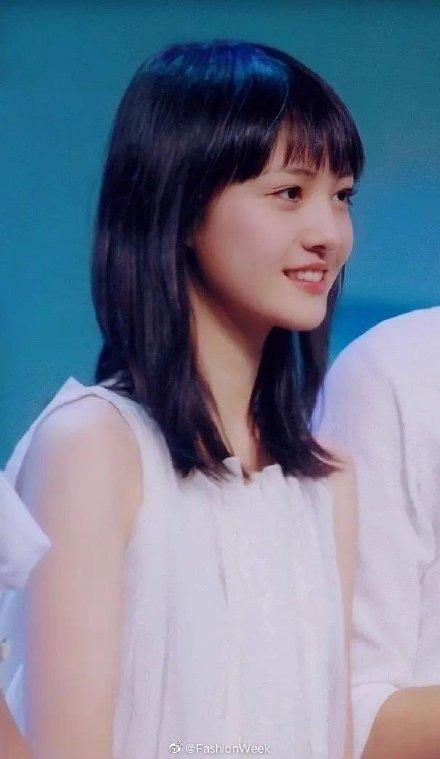 18岁的郑爽旧照曝光令人惊艳 18岁的郑爽长什么样难怪被叫小仙女