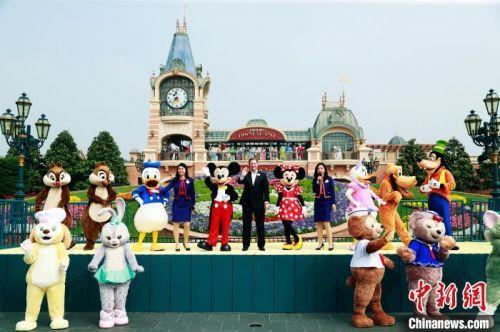 上海迪士尼乐园重开 成全球首个重新开放迪士尼乐园