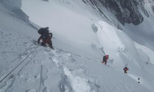 受天气影响 至珠峰峰顶攀登路线未修通