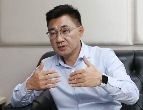 国民党定调全力支持韩国瑜 洪秀柱呼吁支持者反罢免